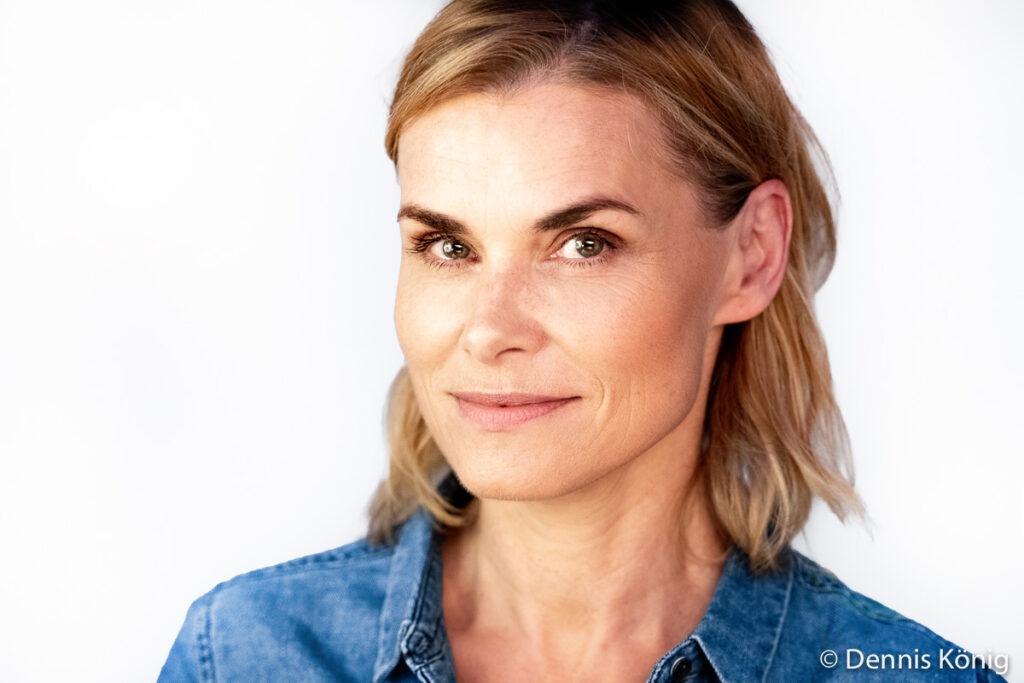 Porträt von Schauspielerin Andrea Lüdke aus Hamburg von Fotograf Dennis König